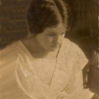 Florence Timpson 1910 17yrs..jpg